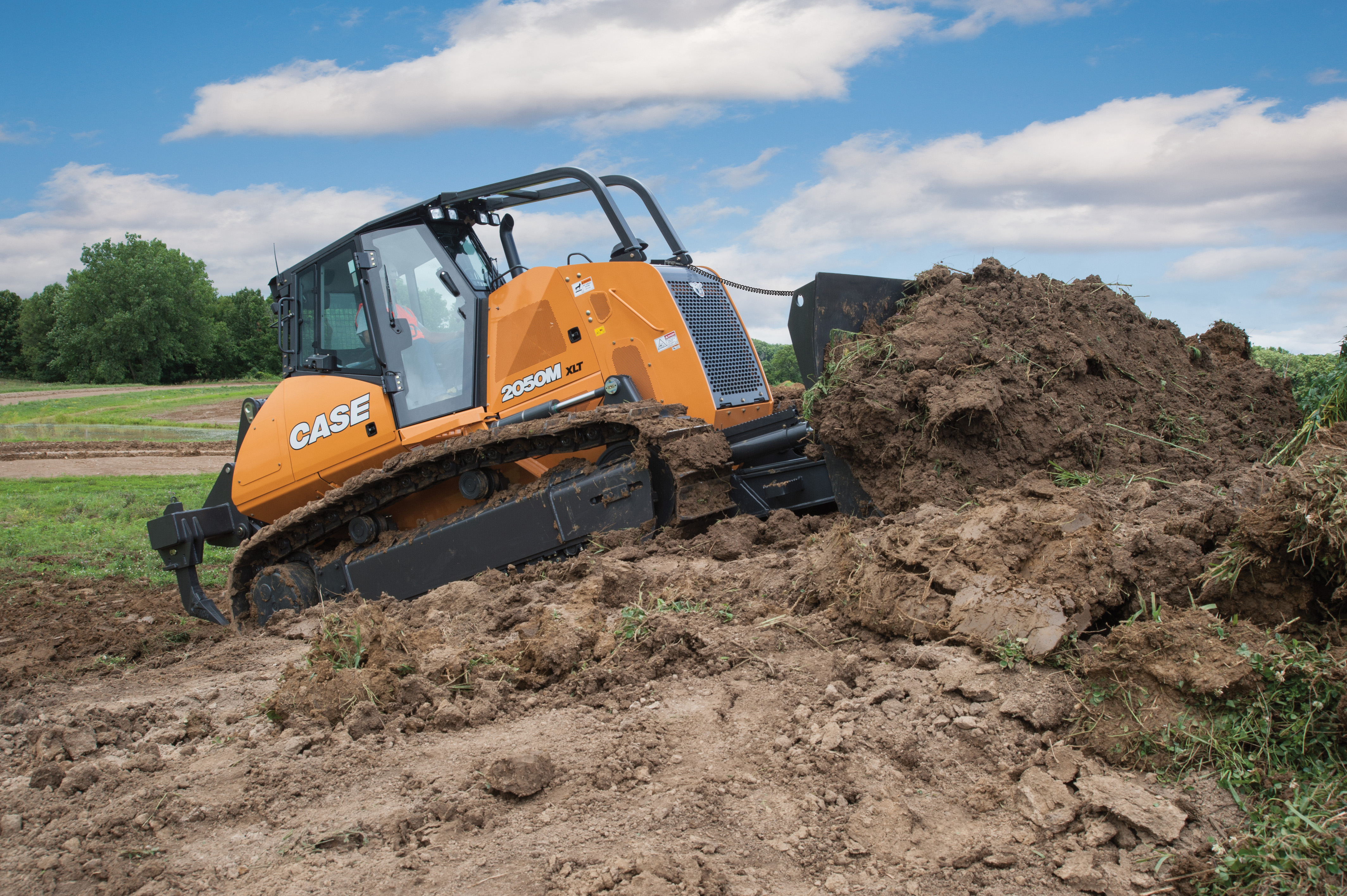 Case and Leica Geosystems will provide grade control to M Series dozers.