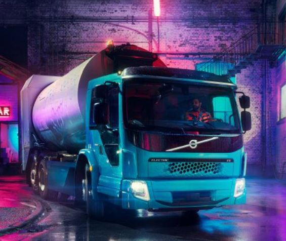 Volvo adds larger FE Electric truck to its range of European refuse transport operations products