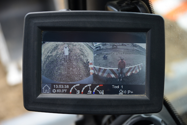 Monitor can display split-screen images from the standard rear and right-side cameras.