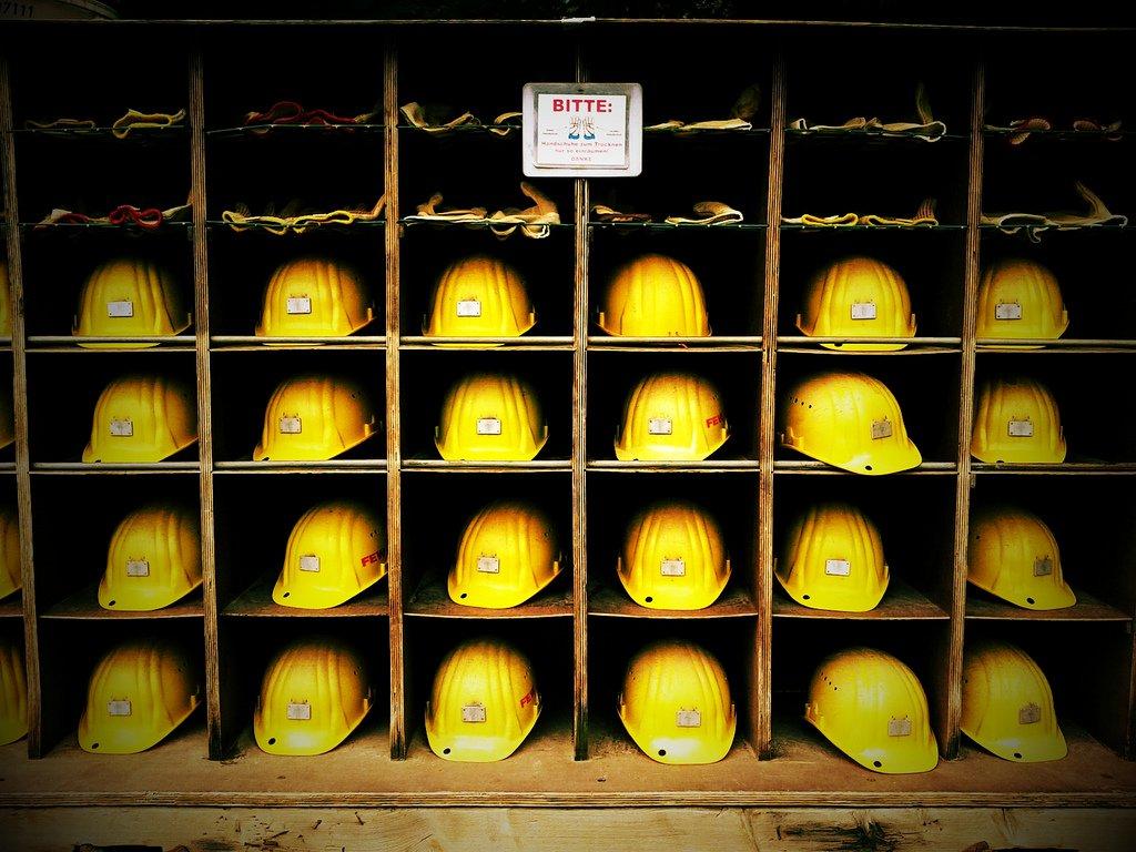 Man Dies in Excavator Accident