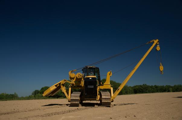 Caterpillar PL61 pipelayer has 40,000 pounds of maximum load capacity