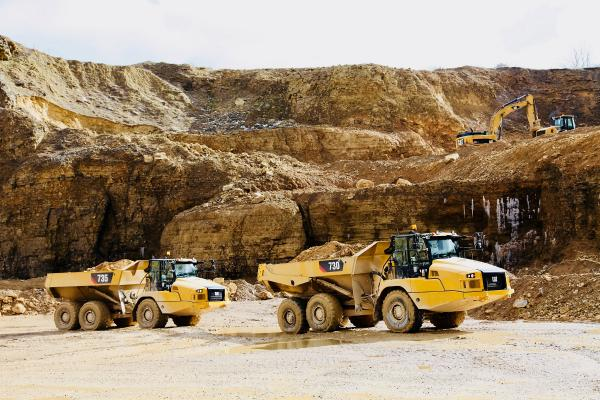 Cat 730, 730 EJ, and 735 articulated dump trucks have redesigned operator stations.