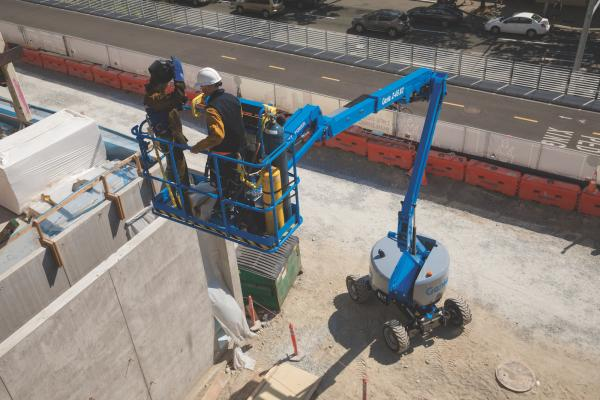 genie z 45 xc articulated boom lift construction equipment rh constructionequipment com Genie Z45 22 Specs Genie Manlift