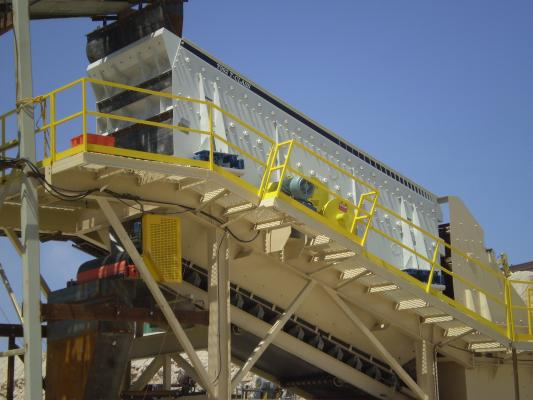 Tyler T-Class vibrating screen has a cut size range of 20 mesh to 6-inch minus.