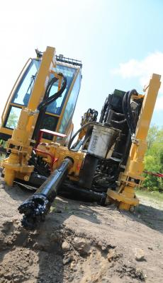 The D40x55DR S3 HDD features Vermeer dual rod technology that uses an inner rod to provide torque to the drill bit, while the outer rod offers steering capability and rotation torque for reaming.
