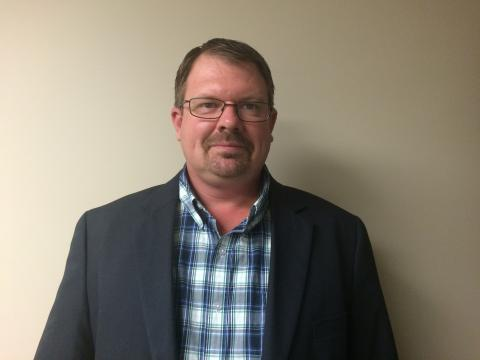 Jason Ruggles has nearly 25 years experience in the heavy equipment and crane industry.
