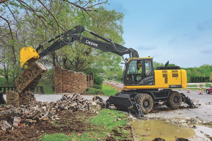 John Deere 190G W excavator has a 173 horsepower engine that does not require DPF aftertreatment.