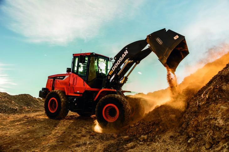 The 172-horsepower DL280-5 wheel loader fills a gap between the company's 250 and 300 models, and has a 3.7-cubic-yard bucket.
