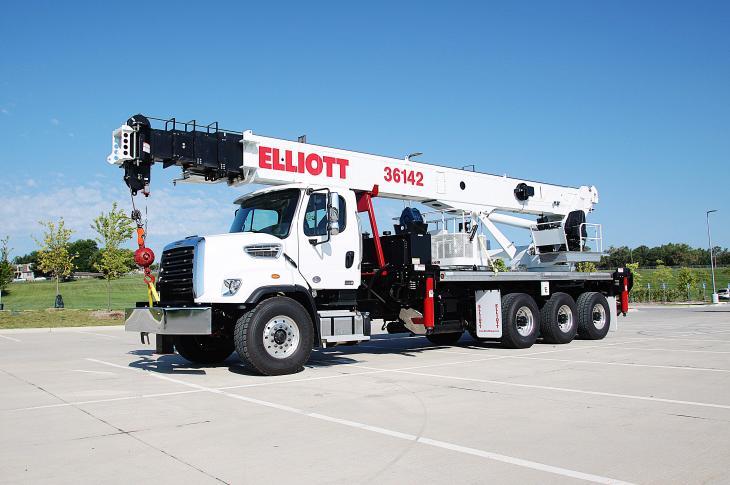 Elliott 36142 telescopic boom truck has a 142-foot main boom