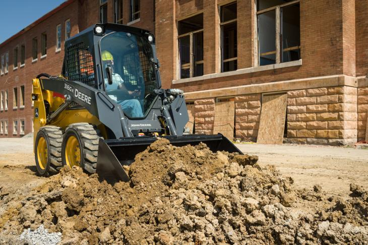 Deere grading-heel buckets are suitable for final grading applications
