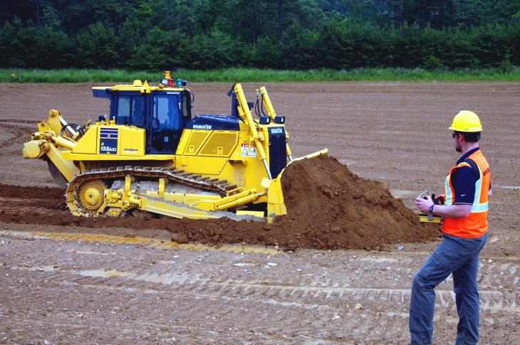 Komatsu D155AXi-8 RC remote control crawler dozer has Intelligent Machine Control technology
