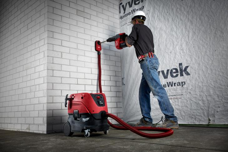 The Milwaukee 8-Gallon Dust Extractor is designed to provide users with an OSHA-compliant solution for regulation of respirable crystalline silica dust.