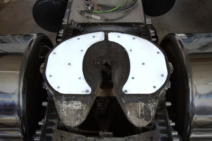The Insert-Style Slick Plate is specifically designed for trucks that have Holland fifth wheels with built-in lube plate inserts.