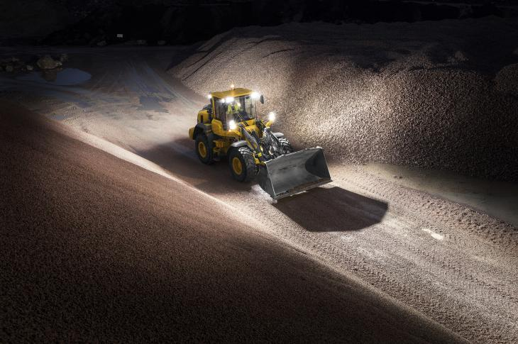 The L90H mid-sized loader is an H Series 2.0 machine that features updates to its transmission and torque converter to shorten cycle times and provide greater fuel efficiency.