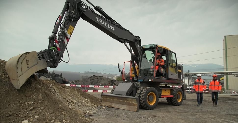 Volvo Construction Equipment and Colas have teamed up to test a job site people-detection system.